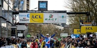 Arnaud Démare tient enfin sa nouvelle victoire en World Tour sur la 1ère étape de Paris-Nice 2016. Photo : ASO/G.Demouveaux