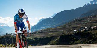 Thibaut Pinot en plein effort sur le contre-la-montre du Tour de Romandie 2016. Photo : Keystone/Jean-Christophe Bott/Tour de Romandie