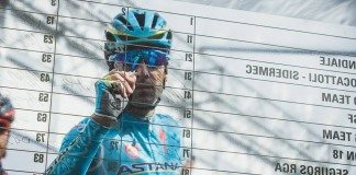 TODAYCYCLING - Vincenzo Nibali à la signature lors de Tirreno-Adriatico 2016. Photo : Astana