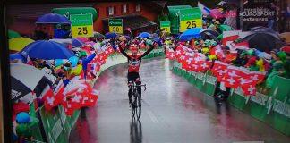 TODAYCYLING - Pieter Weening remporte la 6e étape du Tour de Suisse. Photo : Roompot-Oranje Peloton.