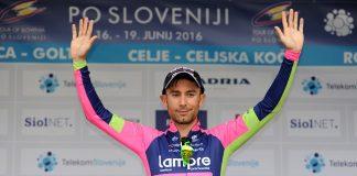 TODAYCYCLING - Diego Ulissi sur le podium au terme de la 3e étape du Tour de Slovénie 2016 qu'il remporte. Photo : Lampre.