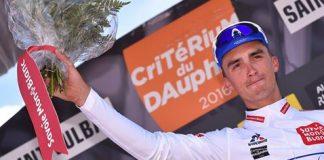 Julian Alaphilippe sur le podium du Critérium du Dauphiné 2016. Photo : Etixx Quick Step.