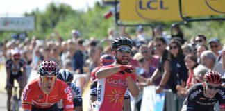 TODAYCYCLING - Nacer Bouhanni célébrant sa victoire sur la 1ère étape du Critérium du Dauphiné 2016. Photo : Cofidis.