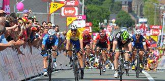 TODAYCYCLING - Boris Vallée jette son vélo pour s'offrir son premier grand succès sur le Tour de Wallonie 2016 devant Monsieur Tom Boonen. Photo : Laetitia Lambreghts