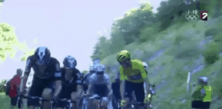 TODAYCYCLING - Le maillot jaune a nargué ses adversaires dans le final de l'étape en simulant une attaque. Photo : Twitter FTVSport
