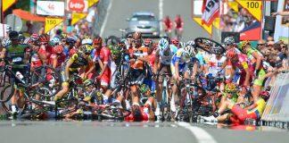 TODAYCYCLING - La chute massive à l'arrivée de la 2e étape du Tour de Wallonie. Photo : Laetitia Lambreghts