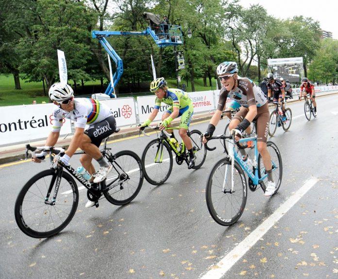 TODAYCYCLING - Romain Bardet et Michal Kwiatkowski à l'attaque lors de l'édition 2015 des Grands Prix de Québec et Montréal. Photo : Grands Prix Cyclistes