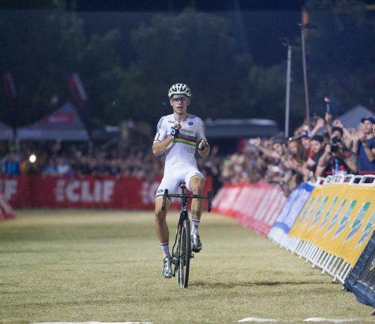 TODAYCYCLING - Wout Van Aert fait honneur à son statut de champion du monde en remportant le CrossVegas, première manche de la Coupe du Monde de cyclo-cross 2016. Photo : UCI
