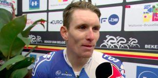 TODAYCYCLING - Arnaud Démare répond aux questions des journalistes après sa victoire dans Binche-Chimay-Binche. Photo : Eurosport