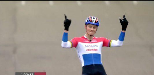 TODAYCYCLING - Encore une succès en Coupe du Monde pour Mathieu van der Poel à Zeven. Photo : UCI