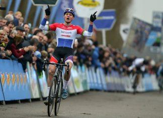 TODAYCYCLING - Mathieu van der Poel remporte la cinquième manche du DVV Verzekeringen Trofee à Anvers - Photo: Sportpress.be