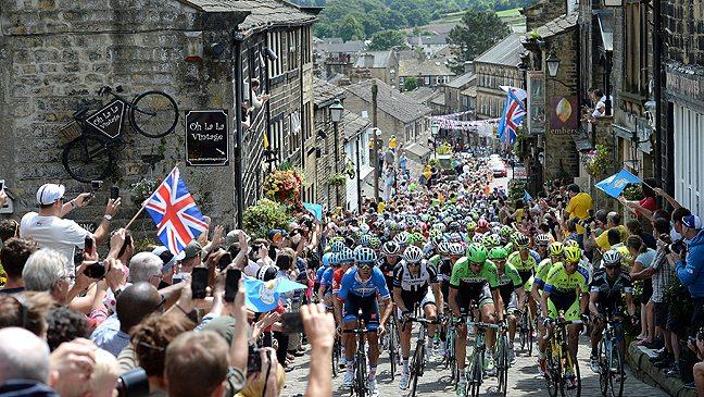 TODAYCYCLING.COM - Le Tour de France visite le Yorkshire. Photo : BT.com