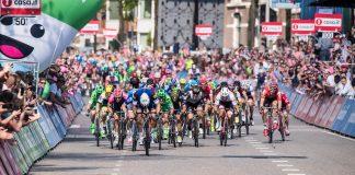 TODAYCYCLING.COM - Le peloton lors du Tour d'Italie 2016. Photo : Giro d'Italia