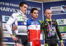 TODAYCYCLING - Le podium des championnats de France de cyclo-cross avec Clément Venturini, Arnold Jeannesson et John Gadret - Photo: Fortuneo-Vital Concept