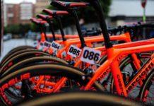 Les vélos Guerciotti orange fluo des CCC Sprandi Polkowice