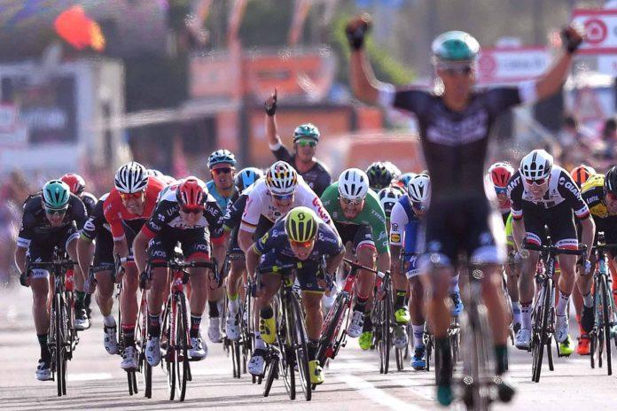 Pöstlberger surprend les sprinteurs lors de la 1ère étape — Tour d'Italie