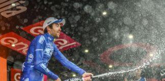 Thibaut Pinot savoure sur le podium de la 20e étape du Tour d'Italie 2017