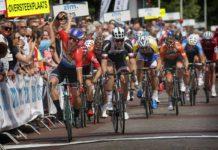 Ster ZLM Toer 2017 : Dylan Groenewegen (LottoNJ-Jumbo) remporte la 2ème étape au sprint. Son coéquipier Primoz Roglic garde le maillot jaune