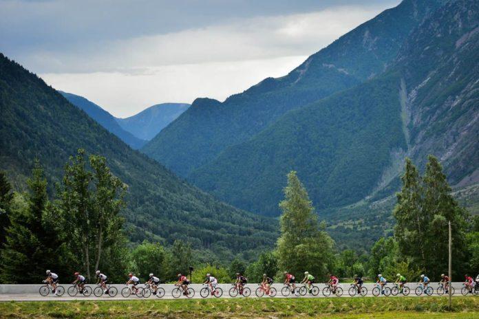 Le Tour de France 2017 s'est achevé par le traditionnel sprint sur les Champs Elysées hier. L'heure est donc au bilan, notamment celui de