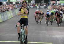 Lars Boom gagne l'étape et prend le maillot de leader