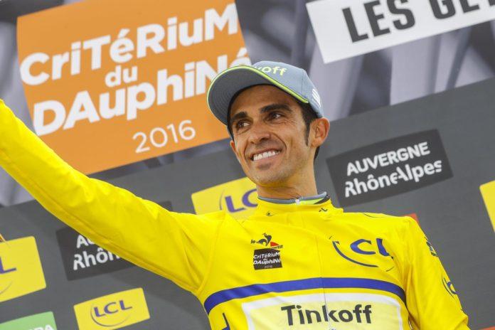 Bientôt retraité des pelotons, Alberto Contador (Trek Segafredo) portera le dossard 1 lors du Tour d'Espagne 2017. Javier Guillen, directeur
