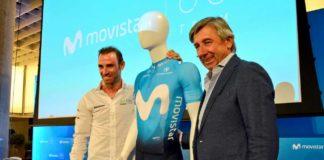 Le maillot de l'équipe Movistar 2018 présenté par Alejandro Valverde