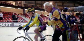 Robert Marchand utilise-t-il un moteur pour électriser son centenaire ?
