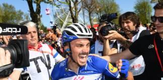Julian Alaphilippe savoure sa victoire à la Flèche Wallonne