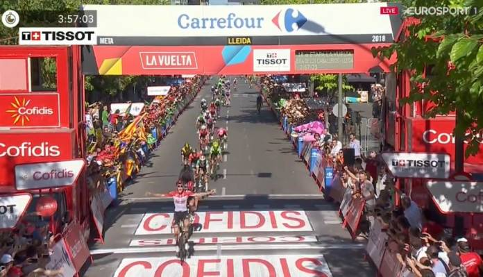Jelle Wallays devance de justesse le peloton