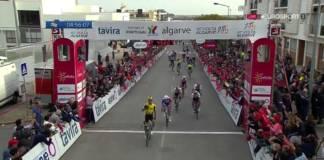 Dylan Groenewegen vainqueur au sprint