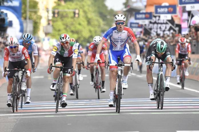 Arnaud Démare vainqueur au sprint
