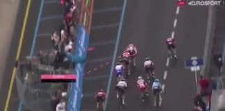 Elia Viviani déclassé par les commissaires du Giro 2019