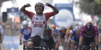 Caleb Ewan a enfin pu lever les bras sur ce Tour d'Italie.