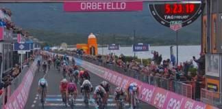 Elia Viviani remporte l'étape 3 du Giro 2019
