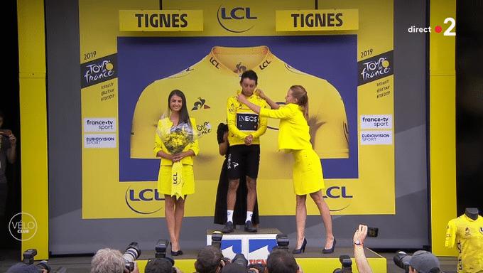 Egan Bernal proche de la victoire finale sur le Tour
