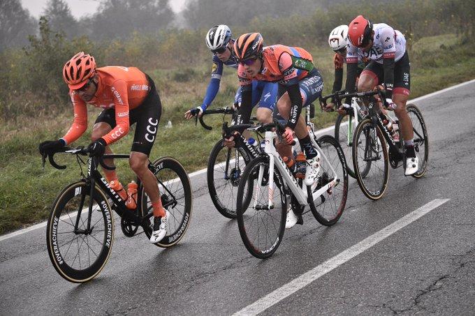 L'échappée du jour avec le Français Rémi Cavagna (Deceuninck - Quick-Step) à Milan-Turin