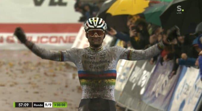 Mathieu van der Poel gagne le lendemain des championnats d'Europe