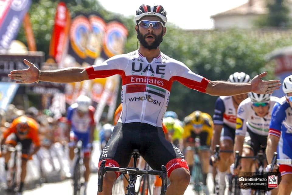 COVID-19 : trois cyclistes retirés du Tour de Burgos