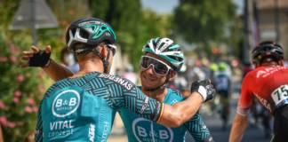 Bryan Coquard vainqueur de la 1e étape de la Route d'Occitanie devant Elia Viviani