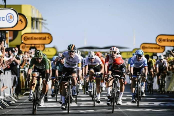 Sam Bennett vainqueur de l'étape 10 du Tour de France 2020