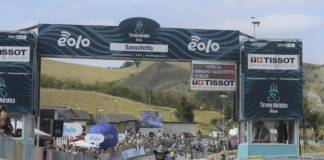Simon Yates prend le pouvoir à Tirreno-Adriatico