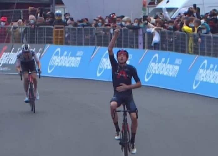 Tao Geoghegan Hart remporte la 15e étape du Giro 2020
