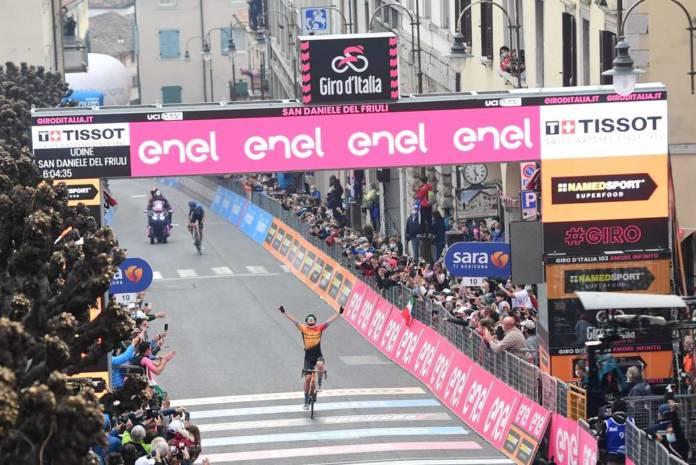 Victoire de Jan Tratnik sur la 16e étape du Giro 2020