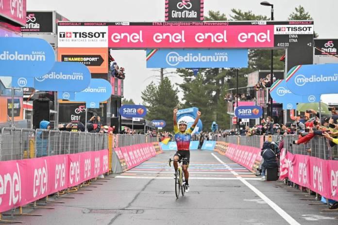 Victoire de Jonathan Caicedo lors de la 3e étape du Giro 2020 au sommet de l'Etna