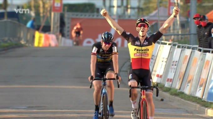 Laurens Sweeck met en avant son maillot de champion de Belgique