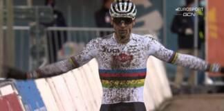 Mathieu van der Poel fait preuve d'autorité