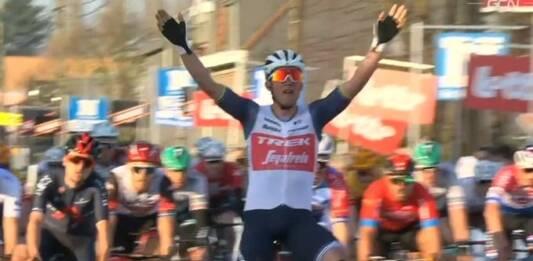 Kuurne-Bruxelles-Kuurne 2021 s'est achevée par un sprint victorieux de Mads Pedersen