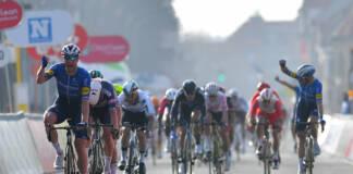 Brugge-De Panne 2021 a été dominée au sprint par Sam Bennett