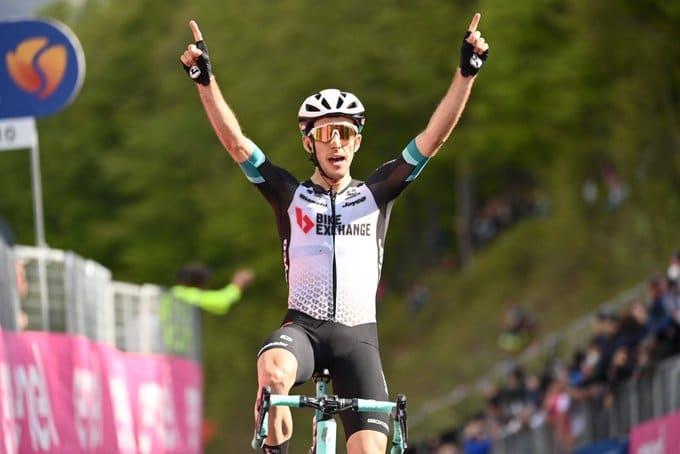 Simon Yates remporte la 19e étape du Giro 2021