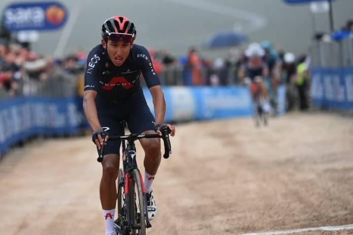 Egan Bernal a fait coup double sur la 9e étape du Giro 2021